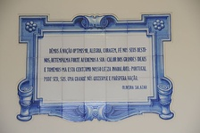 Azulejo with a quote from Salazar, in Esposende.