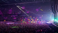 Coldplay performing at the Amsterdam Arena, 2016
