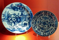 Delftware depicting Chinese scenes, 18th century. Ernest Cognacq Museum