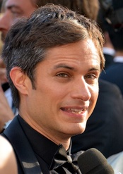 Gael García Bernal, Best Actor in a Television Series – Comedy or Musical winner