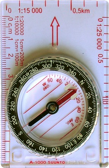 Adjustable compass set to a declination of 0° and a bearing of 307°
