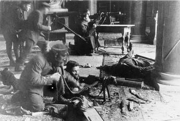 Leftist soldiers during Christmas fighting in the Pfeilersaal of the Berlin City Palace