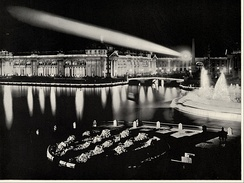 Electricity was used to decorate the buildings with incandescent lights, illuminate fountains, and power three huge spotlights.