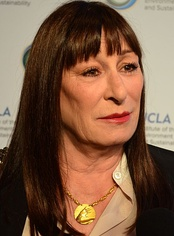 Anjelica Huston, Best Supporting Actress winner