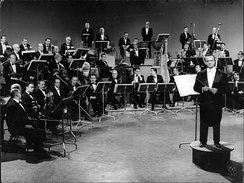 Piazzolla & his orchestra at television network Canal13 in 1963