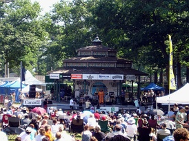 A performance at the 2005 Beaches International Jazz Festival