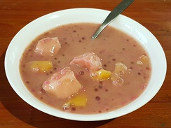 Binignit, a dessert glutinous rice soup with saba bananas and various root crops in coconut milk (Philippines)