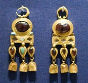 Parthian gold jewelry items found at a burial site in Nineveh (near modern Mosul, Iraq) in the British Museum