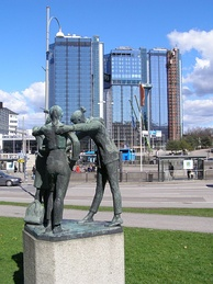 Discussion by Nanna Ullman (1957) in front of the Swedish Exhibition and Congress Centre