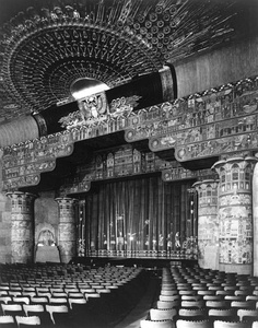 Grauman's Egyptian Theater in Hollywood (1922)