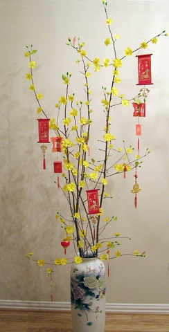 A traditional Tết (Lunar New Year) tree