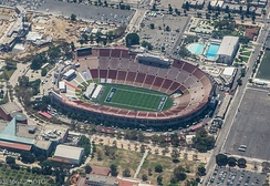 Aerial view of the Coliseum in August 2017 with the Los Angeles Rams field