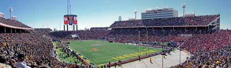 Panoramic view of the 2008 Cotton Bowl Classic between Missouri and Arkansas