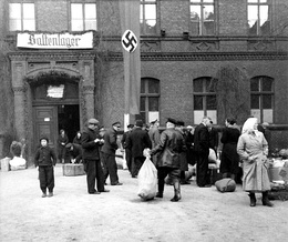 Transit station (Baltenlager) for Baltic Germans, Posen (Poznań), 1940.