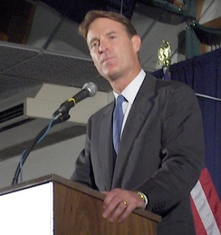 Bayh in New Hampshire for his campaign