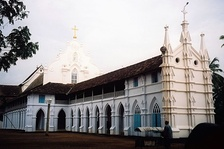 Full view of St Thomas Syro-Malabar Catholic Church at Palayur