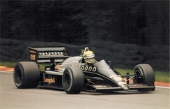 Senna driving the Lotus 98T at the 1986 British Grand Prix.