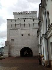 Vlasievskaya tower.jpg