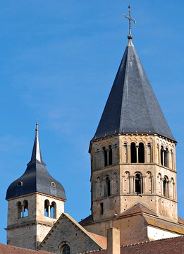 The octagonal crossing tower of the Abbey church at Cluny influenced the building of other polygonal crossing towers in France, Spain and Germany. (See pic. Maria Laach Abbey, above)