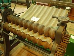 Исторический прокатный станок для производства гофрированного железа