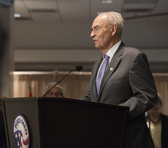 Wofford speaks at Peace Corps ceremony in 2014.