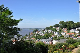 Hills and mansions in Blankenese