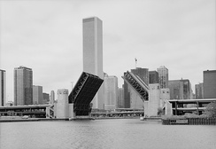 Double-deck bascule bridge carrying Lake Shore Drive over the Chicago River in 1987.