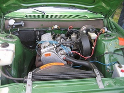 B21A engine in a Volvo 240, showing single side draft carburetor