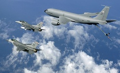 157th ARW KC-135 Stratotankers refueling Virginia ANG F-16 FIghting Falcons, 2005