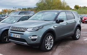 Land Rover Discovery Sport HSE Luxury TD4 2016.jpg