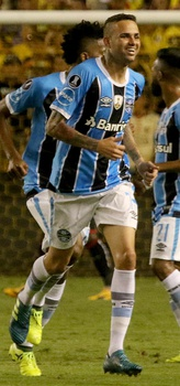 Luan after making his goal against Barcelona S.C.. Luan was elected Rei da América 2017 (King of America 2017) by the newspaper El País (Uruguay).