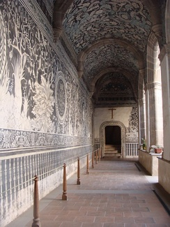 Murals at the mission church of San Salvador, Malinalco, Mexico use native flora and fauna and indigenous concepts of the afterlife to depict the Christian garden of paradise.[10]