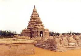 The 7th to 8th-century Shore Temple at Mahabalipuram is a UNESCO World Heritage site. It features thousands of Shaivism-related sculptures.[63]