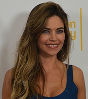 Amelia Heinle, Outstanding Supporting Actress winner