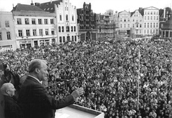 Willy Brandt giving a speech in Wismar, campaigning for the only free parliamentary election in East Germany (March 1990).