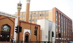 The East London Mosque located in Whitechapel, London, is one of the largest mosque in the UK with a majority Bangladeshi congregation