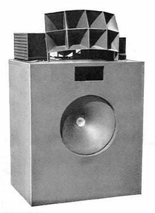 A Lansing Iconic multicell horn loudspeaker from 1937.