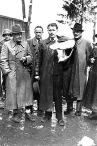Walter Dornberger (on the left, with hat) together with Wernher von Braun, after their surrender to Allies in Austria, May 1945