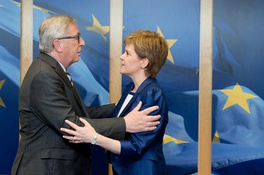 Sturgeon meets Jean-Claude Juncker, President of the European Commission in Brussels, 2017