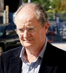 Jim Broadbent, who was originally considered to play Del Boy, made three appearances as DCI Roy Slater