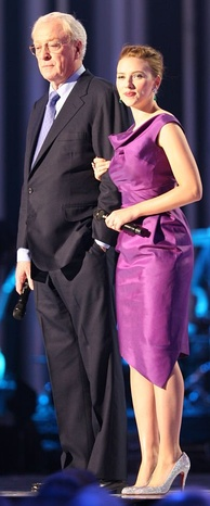 Caine with Scarlett Johansson at the Nobel Peace Prize Concert, December 2008