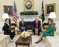 U.S. President Donald Trump and First Lady Melania Trump meet with King Abdullah II and Queen Rania of Jordan in Washington, D.C., 2017.