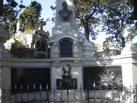 Tomb of medical doctor and politician of American descent Guillermo Rawson.