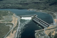 Chief Joseph Dam near Bridgeport, Washington, USA, is a major run-of-the-river station without a sizeable reservoir.
