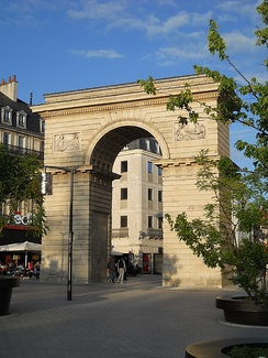 Porte Guillaume (Guillaume Gate), Place Darcy (Darcy Square), in the center of Dijon.
