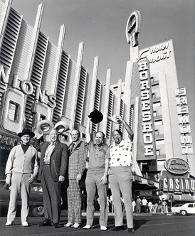 Johnny Moss, Chill Wills, Amarillo Slim, Jack Binion, and Puggy Pearson outside Binion's Horseshoe in 1974