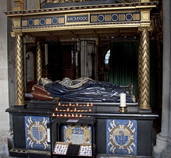 Monument with effigy of Lancelot Andrewes in Southwark Cathedral