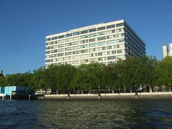 A view of St Thomas' Hospital at St Thomas' Campus, from the Thames