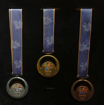 The silver, gold and bronze medals of Nagano 1998