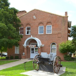 The old Pulaski County Courthouse, which is on the National Register, is now a museum.